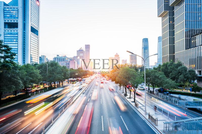 间部分 金融 城市天际线 迅速 市区 建筑外部 旅行 背景 汽车 现代 街道图片
