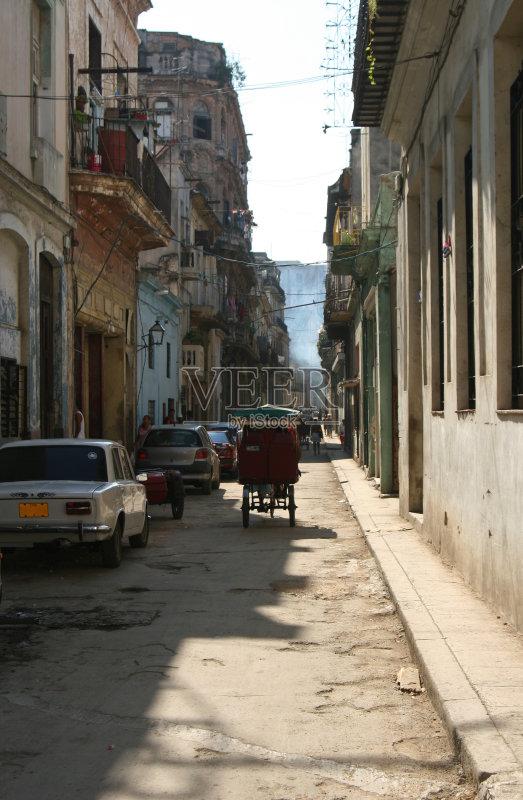街景-无人 废墟 哈瓦那 汽车 古巴 街道 拉丁美洲 毁灭的图片