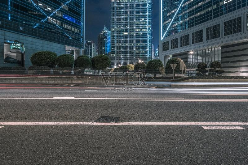 汽车 现代 街道 旅游 照亮 著名景点 光轨 行动 城市生活 照明设备 发图片