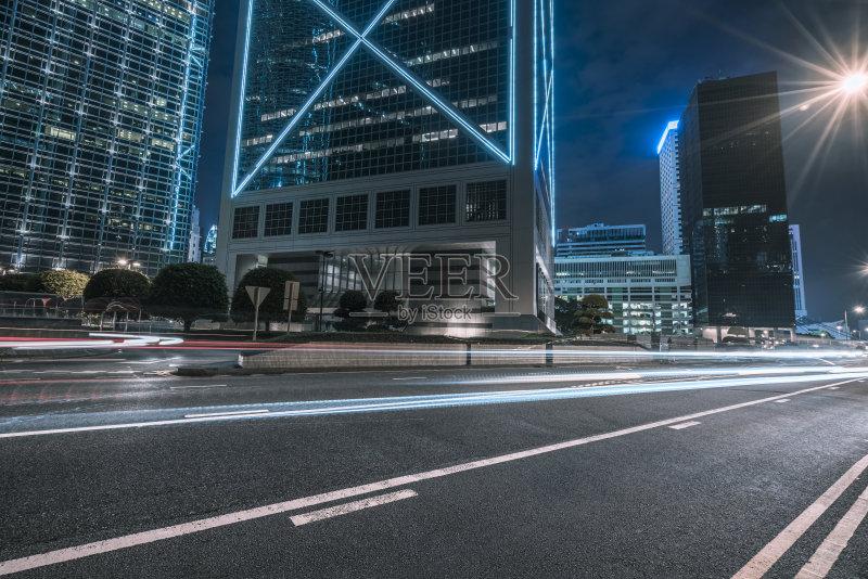 汽车 现代 街道 户外 照亮 著名景点 光轨 行动 城市生活 公路 夜晚 城图片