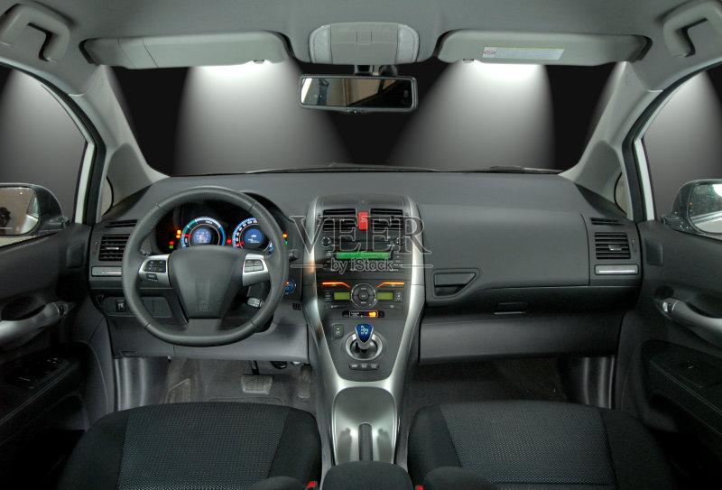 陆用车 中间部分 舒服 椅子 修理 汽车内部 挡风玻璃 室内 技术 车道 图片