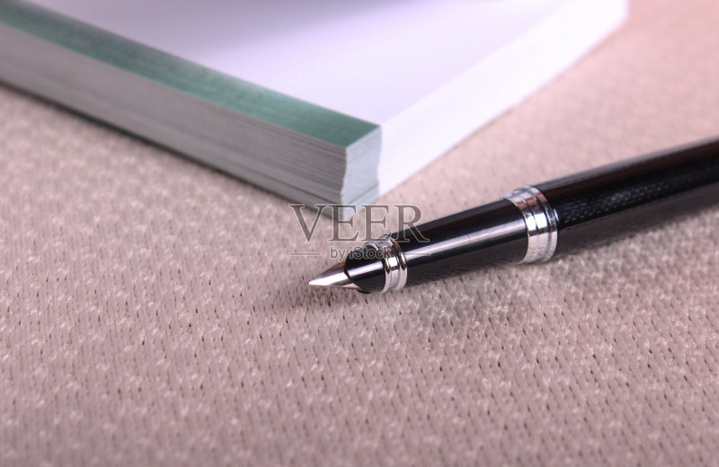 钢笔-消息 文字 墨水笔 记忆 新闻记者 文档 信函 水笔 提示 商务 2015年 室内
