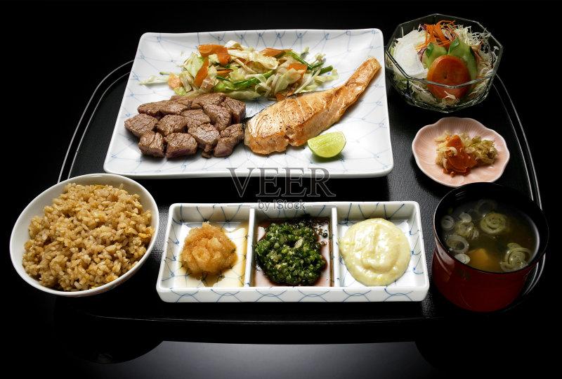 料理-日本 陆地 文化 汤 红色 膳食 黄色 筷子 餐具 亚洲 肉 食品 小吃 面