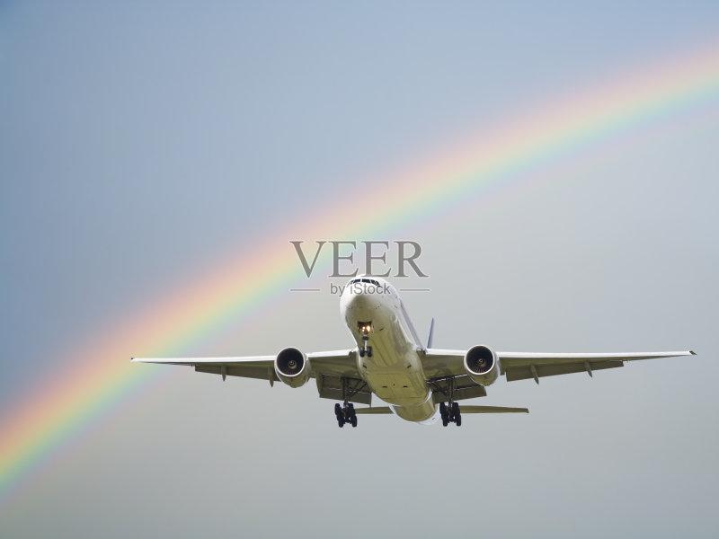 飞行器 波音777 天气 商用机 灰色 飞机 运输 彩虹 逃 抵达 天空 蓝色 夏