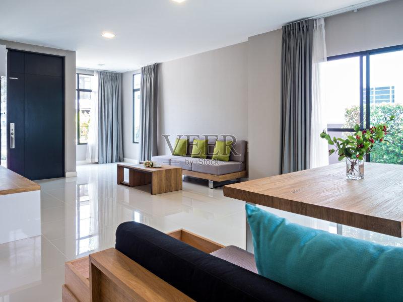 家居-设计 座位 高雅 饭厅 吃饭 华贵 舒服 家具 花瓶 桌子 自己动手 装饰图片