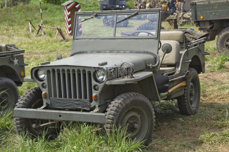 陆用车 战场 吉普 白昼 冲突 过去 草 军队 汽车 美国 户外 战争 田地 高清图片