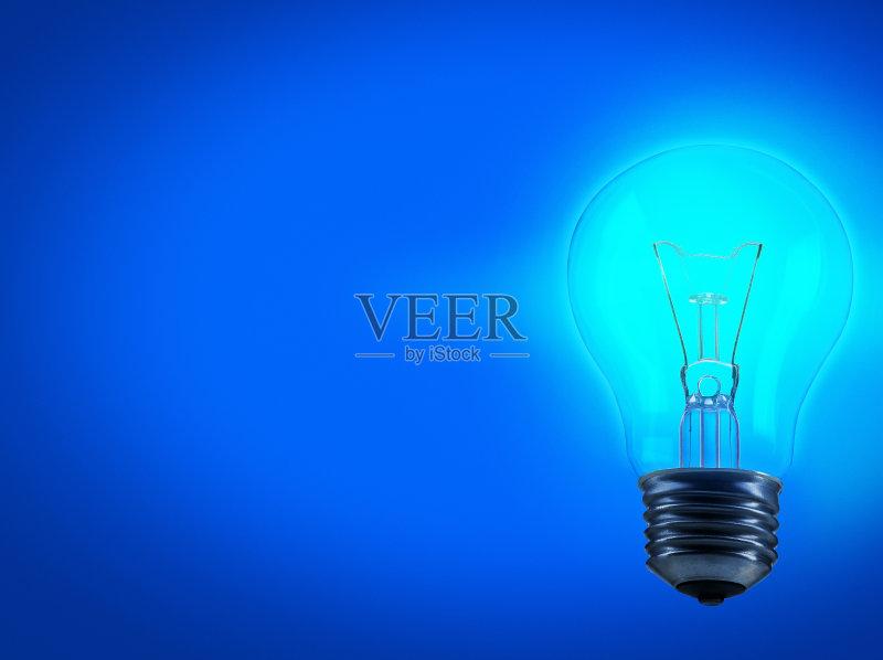 创新-想法 明亮 概念和主题 符号 节能 电源 成品 发光 蓝色背景 效率 智