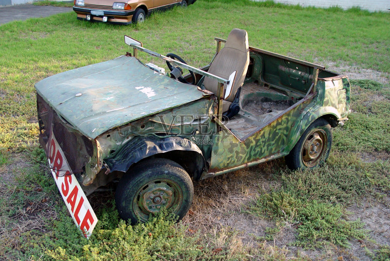 吉普 伪装色 购买 过时的 商品 运输 陆用车 古老的 成品 失事 促销 敞篷高清图片