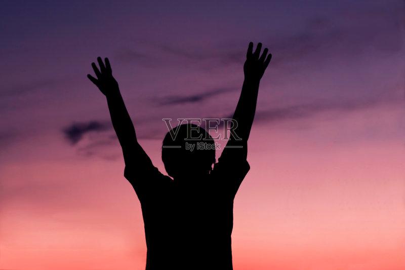 男性 勇气 情感 儿童 渴望 宗教 力量 自由 成功 生活方式 仅一名男孩