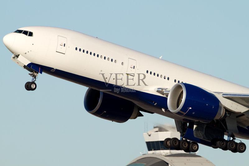 飞行器 波音777 白色 航空业 离开 商用机 商务旅行 飞机 运输 白昼 无人