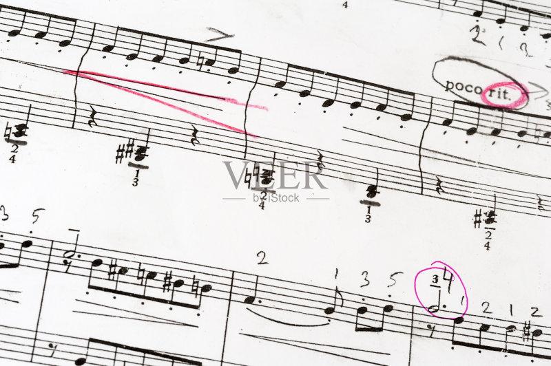 构图 黑色 五线谱 高音谱号 低音谱号 纸