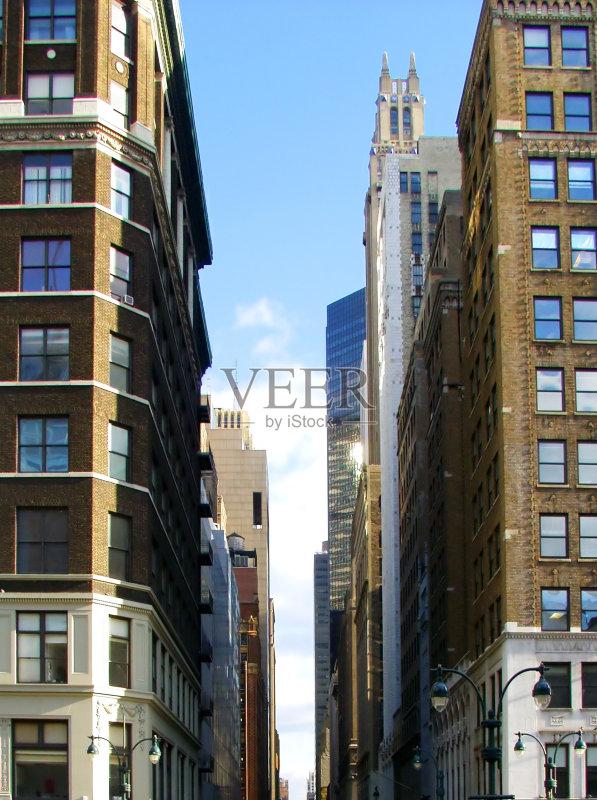 路 摩天大楼 城市 天空 纽约 公寓 无人 办公楼外 商务 建筑外部 公司企图片