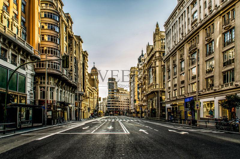 化 建筑结构 街道 寂寞 路 西班牙 中间部分 无人迹 独处 林荫大道 白昼图片