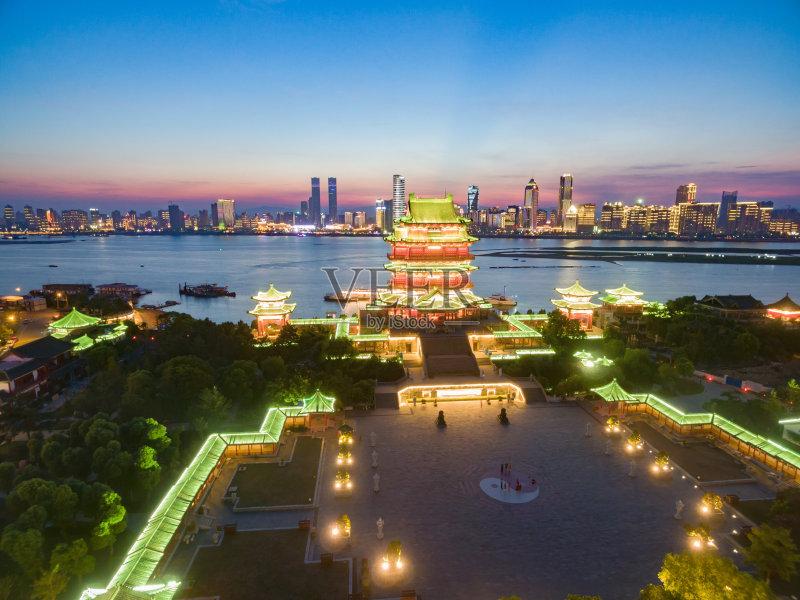 南昌市 文化 旅途 建筑结构 建筑业 红色 屋顶 江西省 天空 北京 宗教 亚