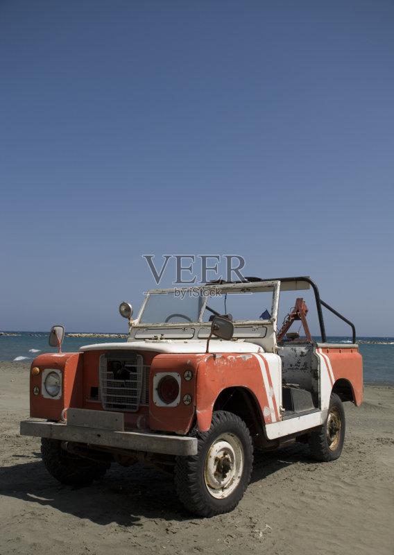 吉普 救生员 恢复 运输 利马索尔 沙子 海滩车 地形 海洋 轮胎 车轮 度假 高清图片