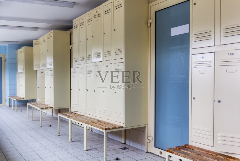 壁橱 剧场衣帽间 锁 成一排 家具 运动 器材箱 教育 室内 银行保管箱 学
