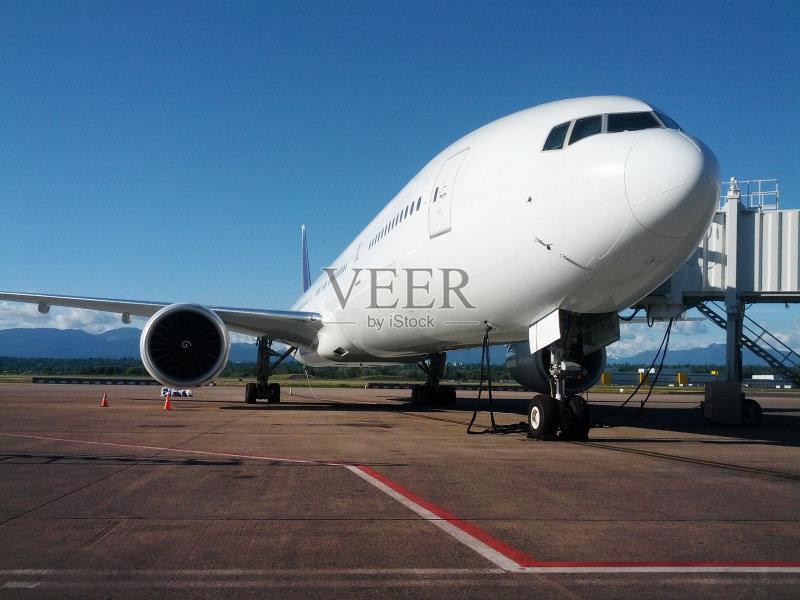 无人 飞行器 波音777 飞机跑道 商用机 飞机 机场